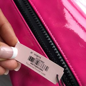 PINK Victoria's Secret Accessories - JUST IN✔️NWT VS PINK LARGE POUCH